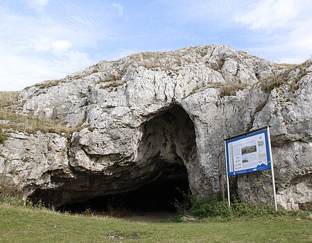 Great Ofnet Cave on the Riegelberg on the Shepherd's Way